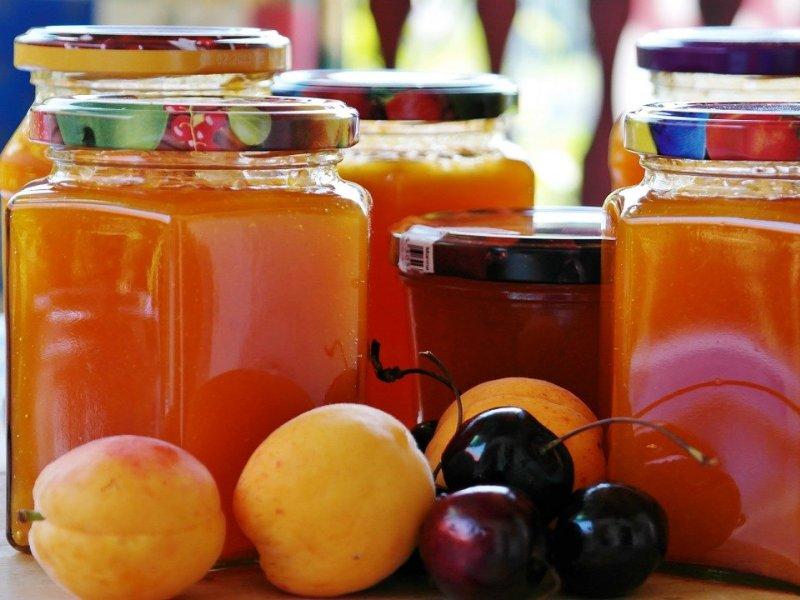 marmelade u staklenkama